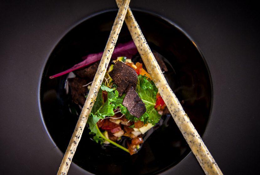 Dîner dans notre restaurant La Table de Marius sur un menu élaboré en 5 plats